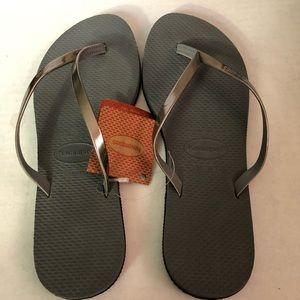Havaianas Steel Gray Flip Flops NWT